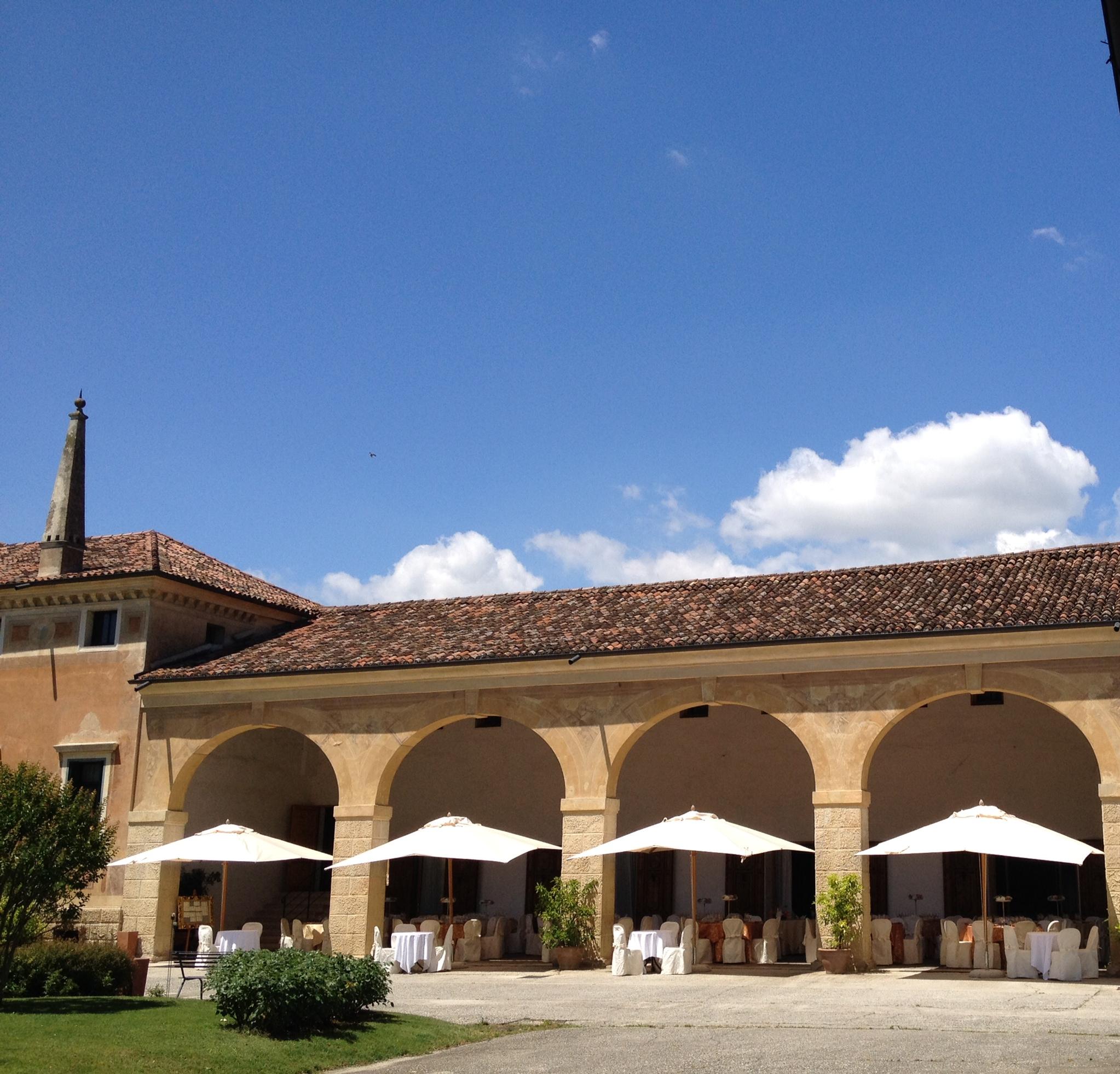 Villa manin cantarella villa veneta privata location per matrimoni pranzi e cene di gala - Giardini veneti ombrelloni ...